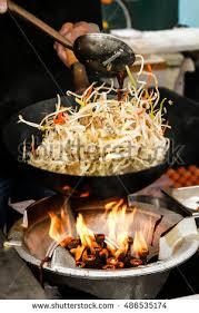 cuisiner wok wok ภาพสต อก ภาพและเวกเตอร ปลอดค าล ขส ทธ