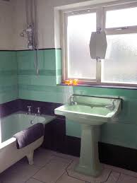 Classic Age Décor For Your Bathroom Green And Black Bathroom - Black bathroom design ideas