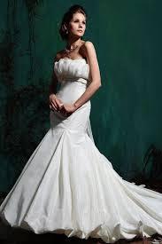 Mature Wedding Dresses How To Find The Wedding Dress For The Older Bride Weddingelation
