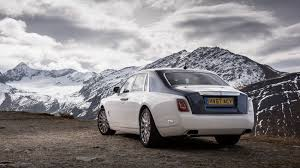 roll royce ghost rolls royce phantom 2017 review by car magazine