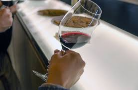 how to taste wine wine tasting tips from wine enthusiast magazine