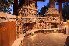 Outdoor Kitchen Backsplash by Interior Outdoor Fireplace And Pizza Oven Country Kitchen