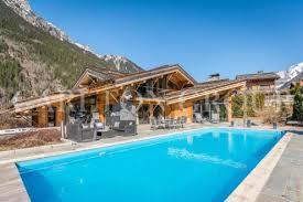 chalet 5 chambres à louer location chalet de luxe chamonix mont blanc locations de prestige