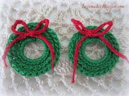 lacy crochet mini wreath free pattern