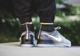 Nike Zoom All Out Flyknit oreo nike zoom all out flyknit running shoe