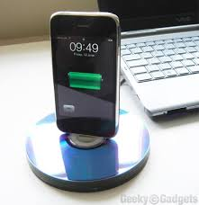 diy charging dock 7 diy phone stands and docks that are amazingly clever