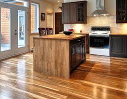 plancher cuisine bois plancher ardoise cuisine stunning carrelage imitation ardoise