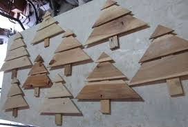 Wood Project Ideas For Christmas by 110 Diy Pallet Ideas For Projects That Are Easy To Make And Sell