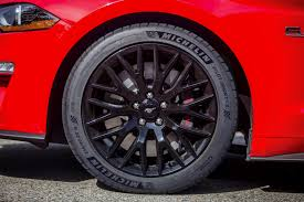 2018 mustang tires borrow from ford gt u0026 shelby gt350