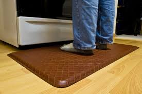 Padded Kitchen Rugs Kitchen Best Rugs And Mats Selections Homesfeed Pertaining To Gel