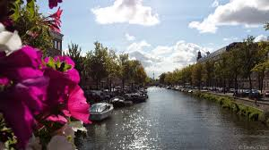 Airbnb Houseboat by Where To Stay In Amsterdam And A Few Cool Places To Visit