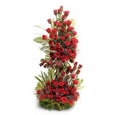 100 Roses 100 Red Roses Arrangement With 2ft Heightrs Myflowergift
