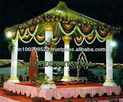 hindu wedding mandap decorations becki s summer wedding flowers there are so many creative