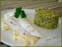 cuisiner filet de cabillaud filet de cabillaud aux oignons et puree de brocolis domi vous
