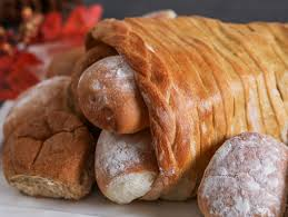 how to make a bread dough cornucopia
