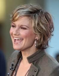 fun hairstyles for over 40 resultado de imagen para imágenes de actriz anne dudek doctor