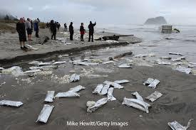 shipwreck wind against current