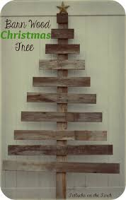 potlucks on the porch barn wood christmas tree i was trying to come up with a new decoration this year and i needed something free or very close and easy my husband builds barn wood frames so we