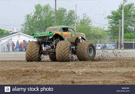 monster truck freestyle videos monster trucks at freestyle competition at 4x4 off road jamboree