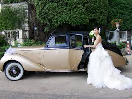 wedding in tuscany u2013 golden rolls royce