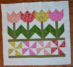 inspired by fabric tutorial tulip time wall hanging