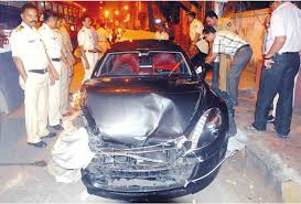 reliance owned speeding aston martin rapide crashes in mumbai