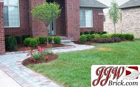 Front Yard Landscaping Ideas Pictures by Front Yard Landscaping Design Idea For Ranch Style Home In Macomb