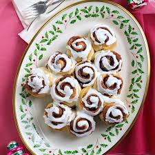 cinnamon roll christmas tree recipe taste of home