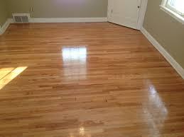 Laminate Wood Flooring Cost Per Square Foot Kitchen Floors Is Hardwood Flooring Or Tile Better Wood Flooring