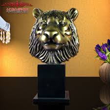 2016 new top fashion hollow retro tiger ornaments features resin
