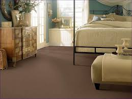 What Colors Go Good With Gray by Bedroom What Colors Look Good With Grey Walls Popular Carpet