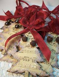 Music Themed Christmas Tree Decorations Uk by Best 25 Paper Christmas Decorations Ideas On Pinterest