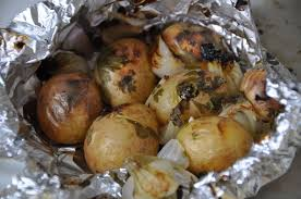 pomme de terre en robe de chambre au four de terre robe de chambre barbecue