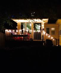 How To Hang Christmas Lights On House by Best Way To Hang String Lights Super Easy Way To Hang Outdoor