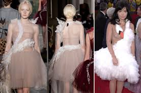 swan dress valentino couture brings back bjork s swan dress fashionista