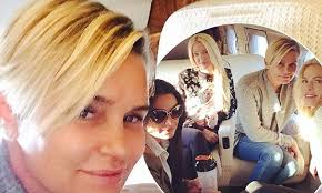 yolanda foster bob haircut yolanda foster flies into new york with real housewives of beverly