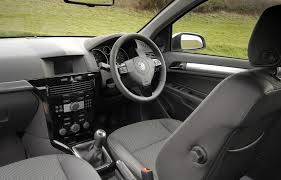 vauxhall astra 2006 2006 vauxhall astra h interior rhd uk car reviews and buyers
