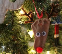 easy reindeer footprint ornaments my plot of