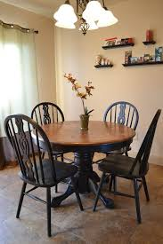 Pine Kitchen Tables And Chairs by Best 25 Round Kitchen Tables Ideas On Pinterest Round Dining