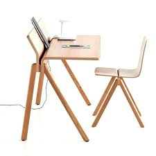 bureau moderne design bureau design moderne table bureau moderne et peu encombrante en
