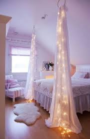 How To Decorate A Canopy Bed 10 Diy Canopy Beds To Make You Feel Like You U0027re On Safari