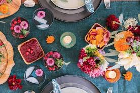 17 thanksgiving tables that are goals af