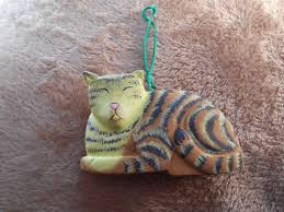 xmas ornament resin cat hand painted yellow brown black stripes