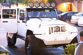blac chyna jeep khloe kardashian appears to gift kylie jenner with jeep french