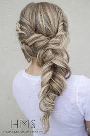 Frisuren Lange Haare Jugendweihe by Die Besten 25 Blumen Zöpfe Ideen Auf Prom Haar