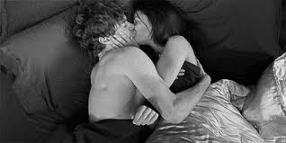 Kiss In Bed Couples Shemazing