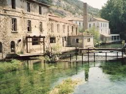 chambre d hote dans le vaucluse fontaine de vaucluse source sorgue marchés provençaux chambres d