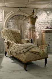 Shabby Chic Vintage Furniture by Best 20 Shabby Chic Sofa Ideas On Pinterest Shabby Chic Couch