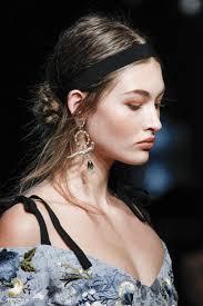 hair accessories at fashion week 2017 vogue