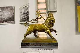 lion of judah statue file lion of judah sculpture 25229315652 jpg wikimedia commons